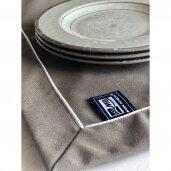 Neperšlampamos staltiesės ir padėkliukai